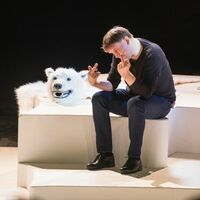 """Bild von Christian Hempel im Theaterstück """"Chinchilla Arschloch, waswas"""""""